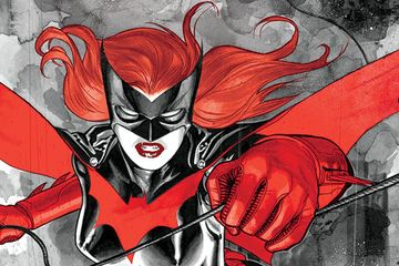 Batwoman Co-Creator Greg Rucka Weighs in On Ruby Rose Casting