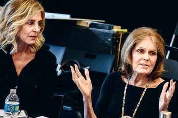 Gloria Steinem, Watching Herself Onstage, Knows She's in Good Hands