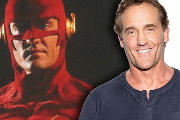 Arrowverse: Elseworlds Photo Revives John Wesley Shipp's '90s Flash
