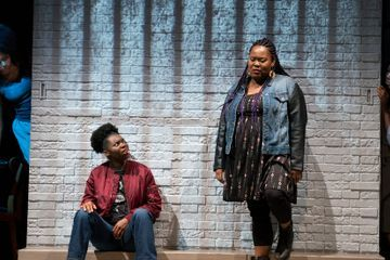 Review: In 'Eve's Song,' the Ghosts Are Not the Scariest Part