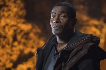 This Is Us Season 3: Carl Lumbly Cast as Beth's Father