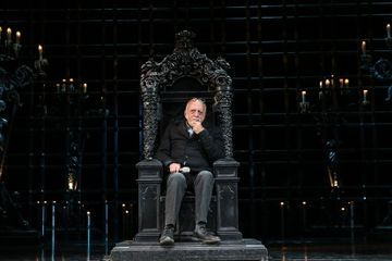 Hal Prince, Giant of Broadway and Reaper of Tonys, Dies at 91
